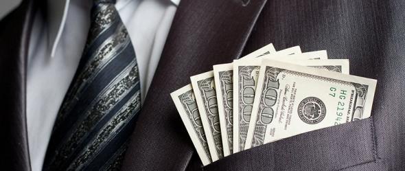 Долларовые миллионеры массово переводят состояния в наличные