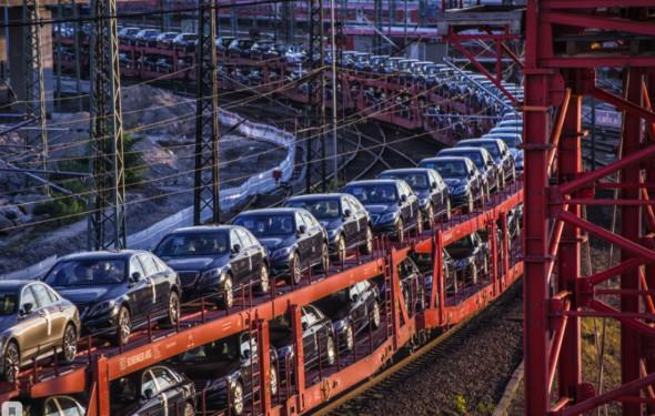 Это будут огромные деньги. Россия перехватит транзит автомобилей у Суэцкого канала