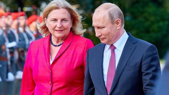 Путин возрождает свадебную традицию российских императоров