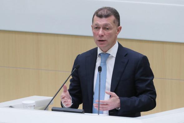 Новости из параллельной реальности: Топилин заявил о беспрецедентном росте зарплат в России