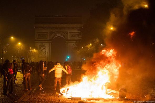 Юрий Подоляка: Франция хочет как на Украине 04.12.2018