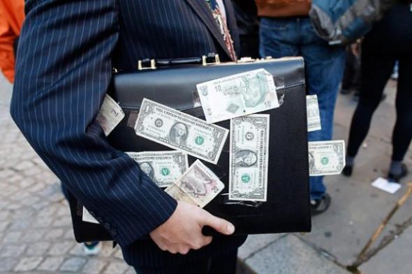 Михаил Хазин: Цель правительства РФ – обеспечить отток капитала из страны