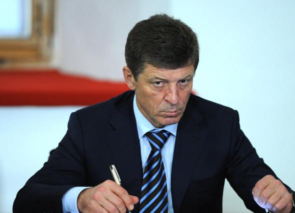 Правительство и нефтяники подписали соглашение о заморозке цен на топливо до июля