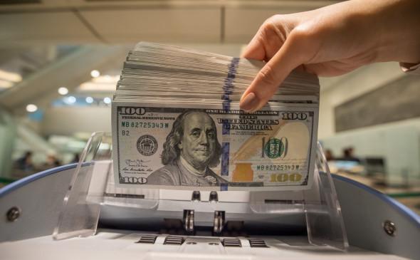 Российские банки на треть сократили запасы валюты