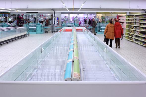 Розничные сети заявили об угрозе пустых полок в магазинах