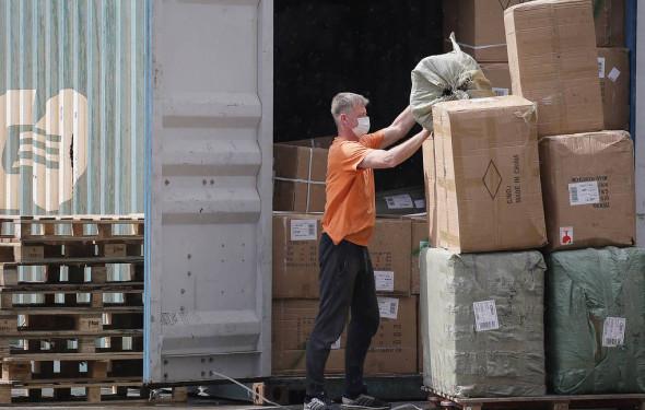 Конфискованные таможней товары предложили передавать нуждающимся россиянам